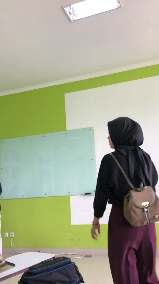 caca(@lem0nsquizshy) adlı kullanıcı TikTok'ta WOAH adlı müzik içeren kısa bir video oluşturdu. kena lauu🤪🥵 #fyp #fypシ #foryou #jakarta #xyzbca #woahchallenge