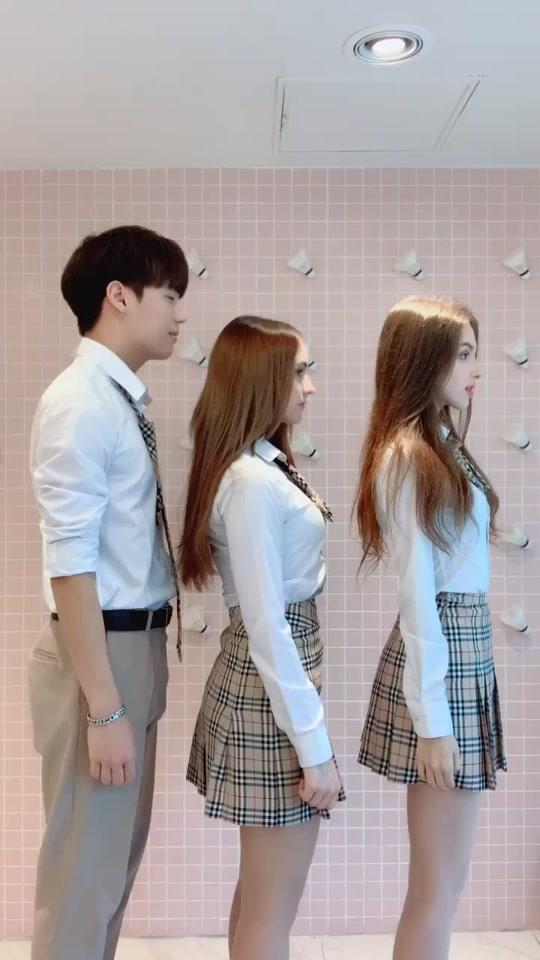 사샤💕 (@sasha_seoul) adlı kullanıcı TikTok'ta Weak (Bend Over) adlı müzik içeren kısa bir video oluşturdu. 늦었지만 저희 드디어 이 영상 찍었어요! 💖리나대장님이랑 같이! 재미있게 찍었어요🥰💖 @🦄리나대장님_Elina🦄 @제이  #fyp #foryourpage #рекомендации #хочуврекомендации #foru #추천 #recomendation