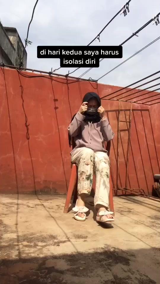 Anggi Syartika Rani(@anggisyartika) adlı kullanıcı TikTok'ta original sound - Sarahirmas4 adlı müzik içeren kısa bir video oluşturdu. karantina di hari kedua #karantina #quarantine #coronavirus #covid19 #covid #fyp #fyp #tiktok #indonesia #fypchallenge #fypシ #HandWashChallenge