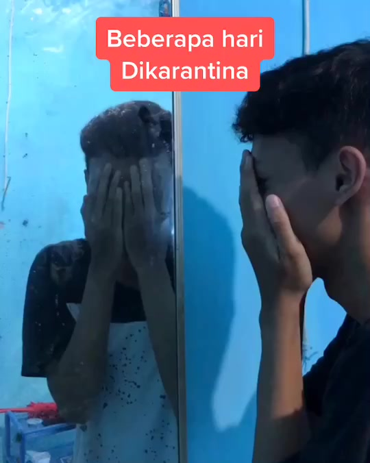 julianadamh(@juldam) adlı kullanıcı TikTok'ta  Crystal Dolphin adlı müzik içeren kısa bir video oluşturdu. Karantina hari ini #karantina #quarantine #coronamemes #foryou #fyp #tiktokmemes